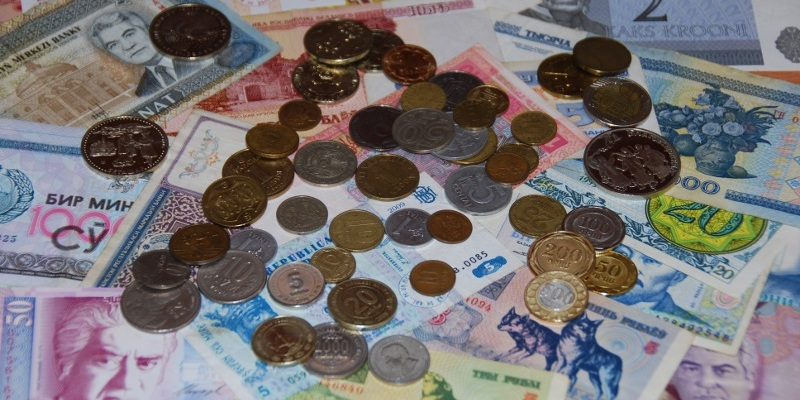 Монеты и банкноты: график выхода, 2017