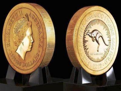 Cамая большая золотая монета в мире Фото