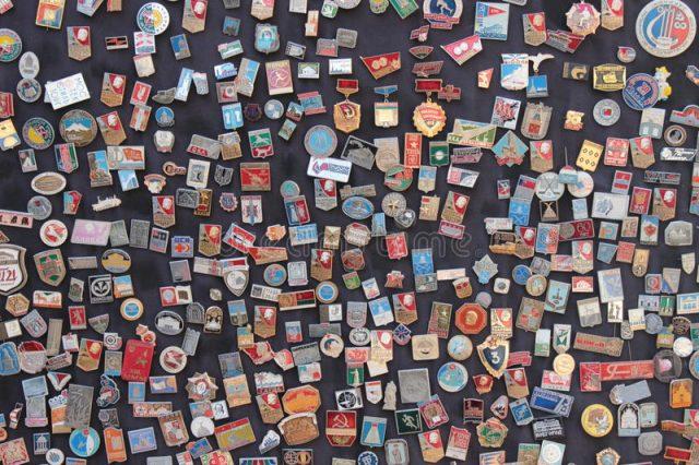 Где продать значки СССР: стоимость, каталог, цены на 2018 год