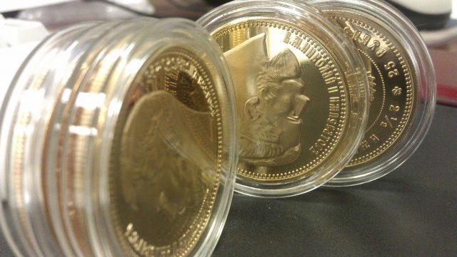 Где выгодно продать золотые монеты?