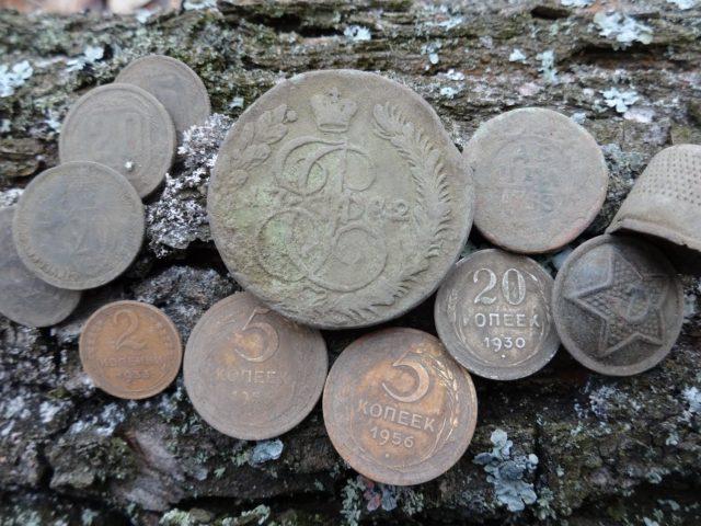 Поиск монет и кладов металлоискателем, видео 2017 год