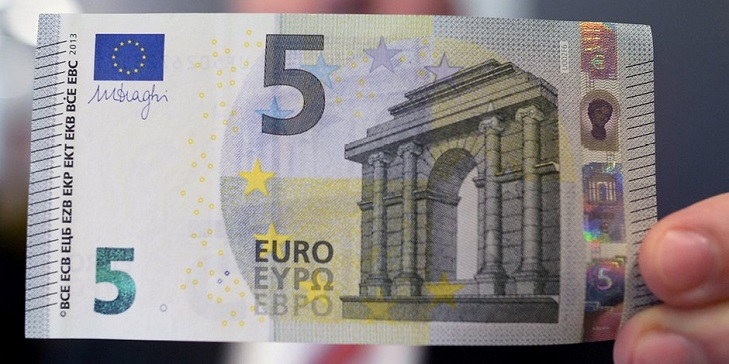 Ирисовый раскат банкнот евро