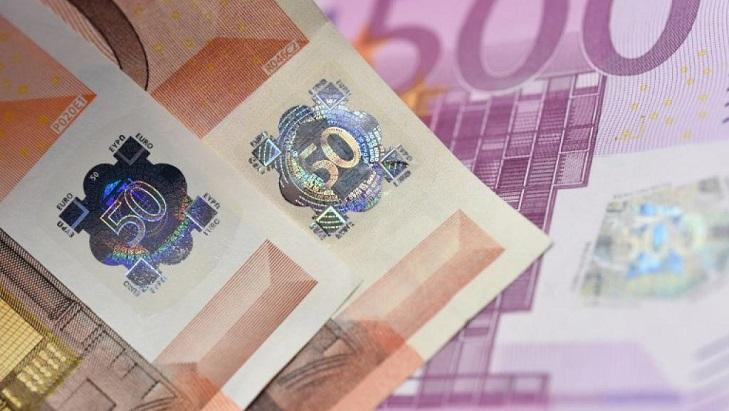 Голограмма на банкнотах евро