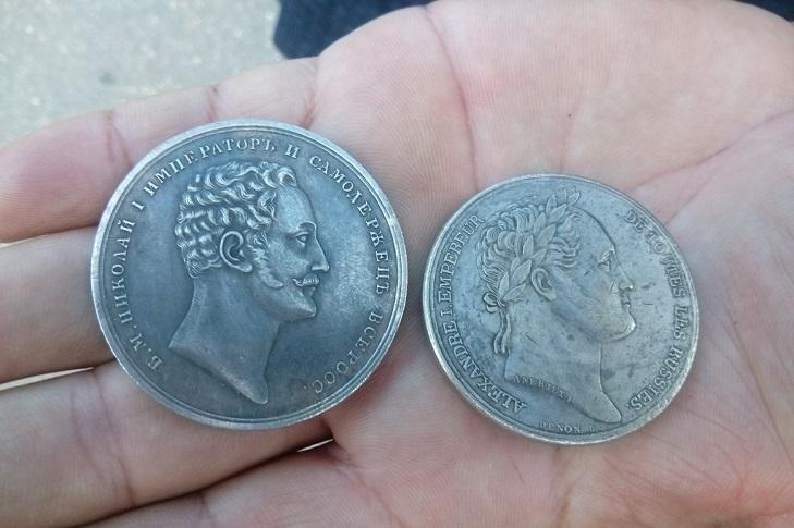 Продажа китайских подделок монет