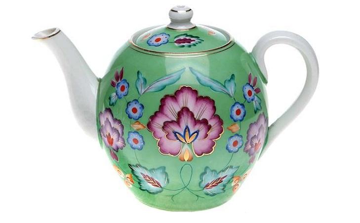 Фарфоровый чайник Песочное