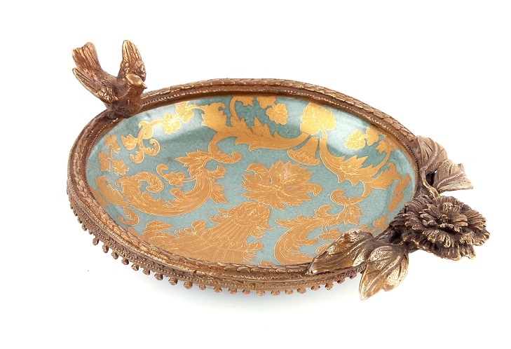 Фарфор, декорированный бронзой