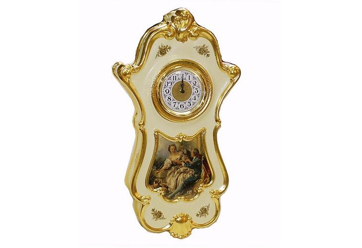 Стильный часы из фарфора