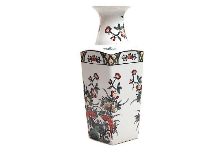 Европейская фарфоровая ваза