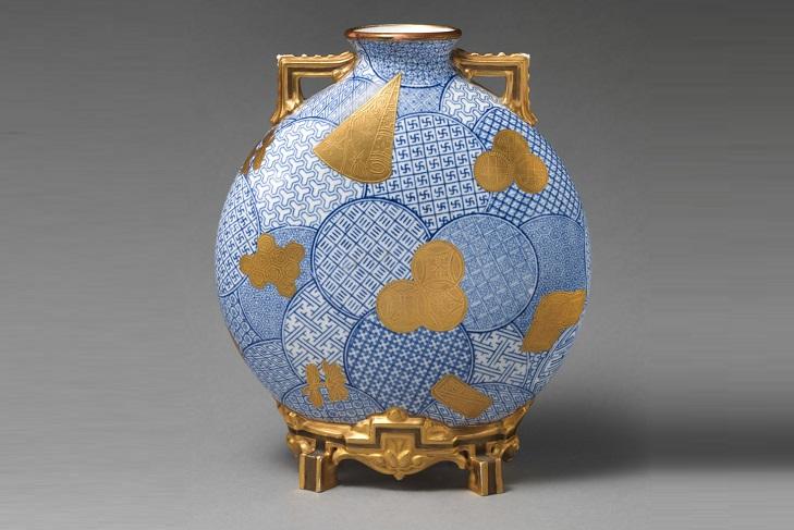 Стильная фарфоровая ваза