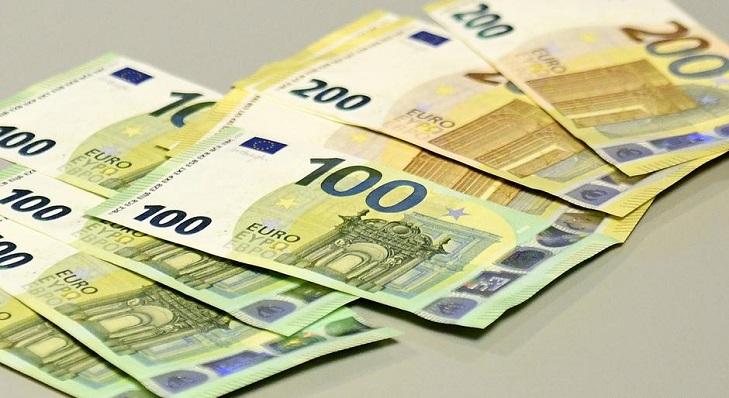 Новые 100 и 200 евро