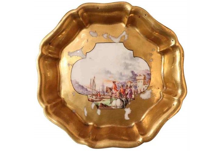 Фарфоровые тарелки европейских мануфактур