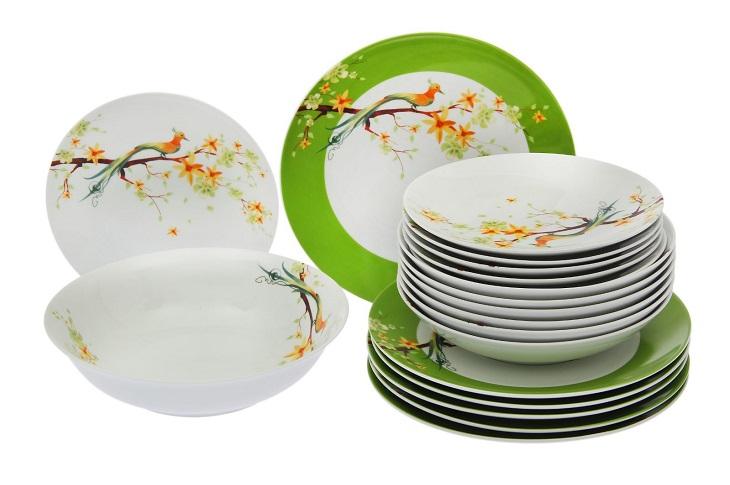 Набор из глиняных тарелок и салатников