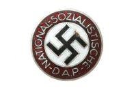 Значок НСДАП