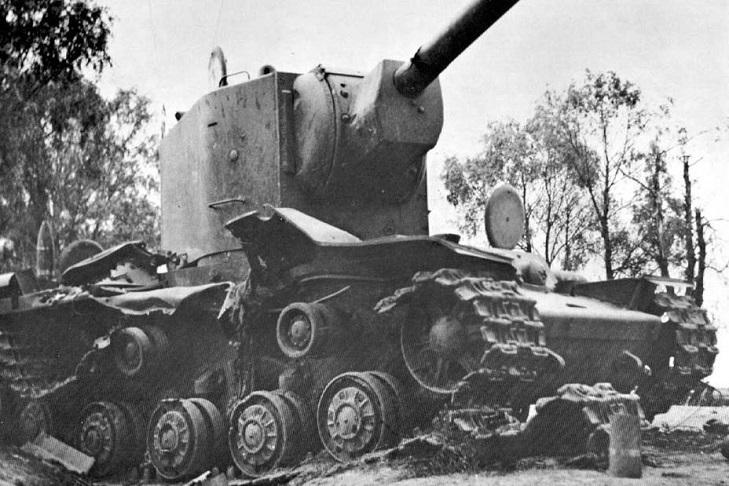 Взрыв танка под Рассейняем