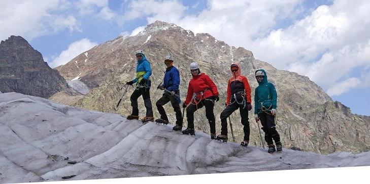 Альпинист с инструктором