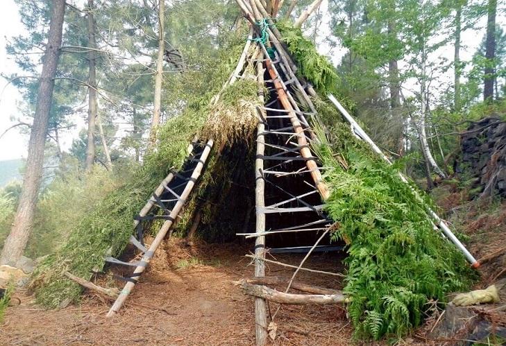 Сооружение шалаша