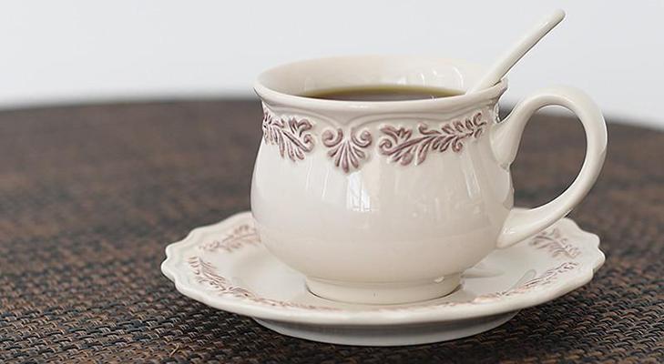 Кофейные пары из фарфора
