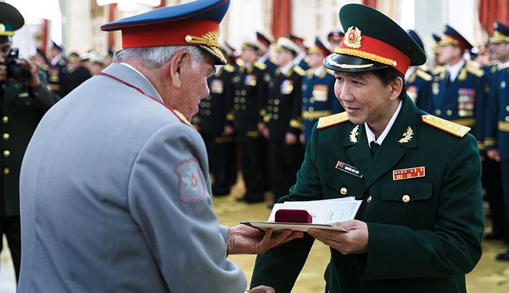 Военная академия Генштаба ВС РФ получает Орден Кутузова