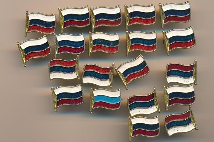 Правильное расположение цветов на российском флаге