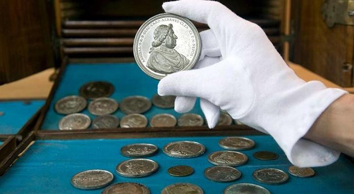 Уход за монетами