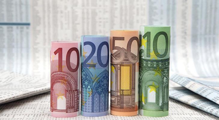 Банкнота 100 евро - дизайн