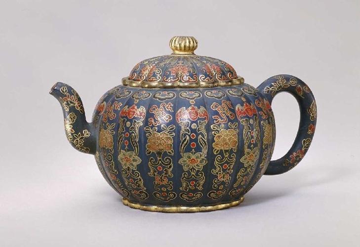 Фарфоровый чайник китайский