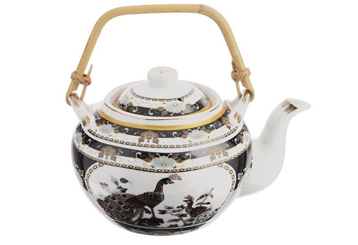 Фарфоровый чайник - восточный вариант