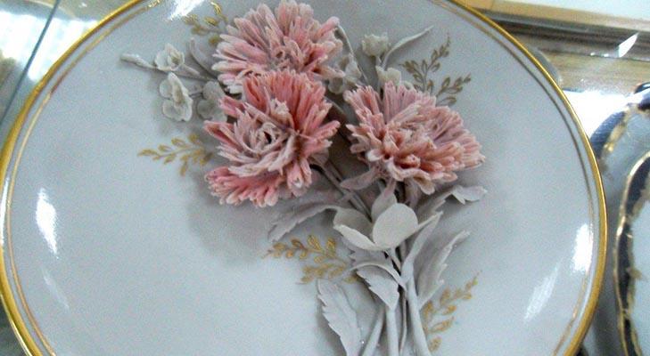 Фарфор из Барановки - тарелка с живыми цветами