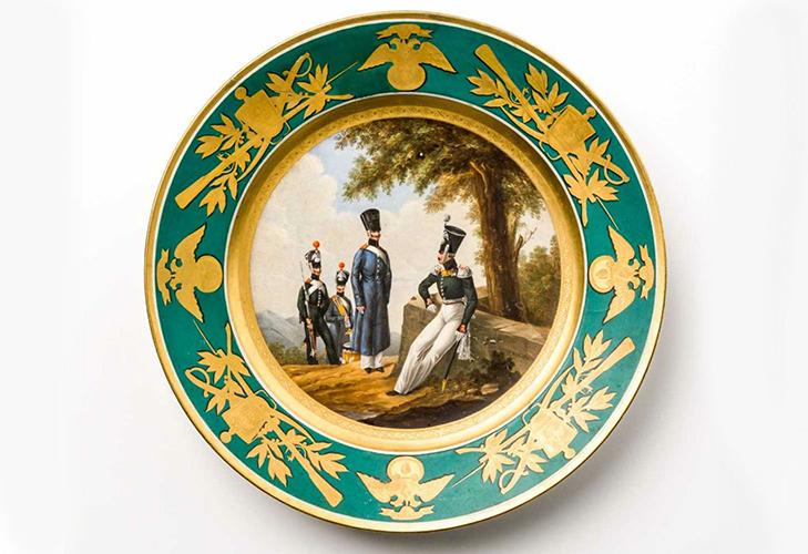 Военные тарелки