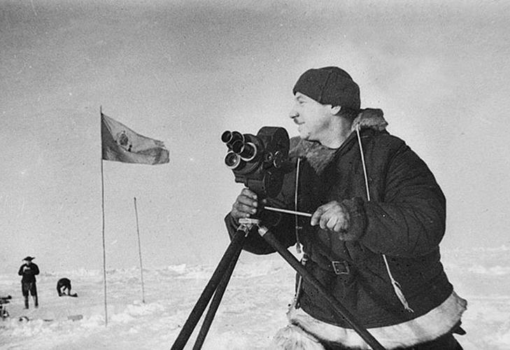 Покоритель Северного полюса И. Д. Папанин