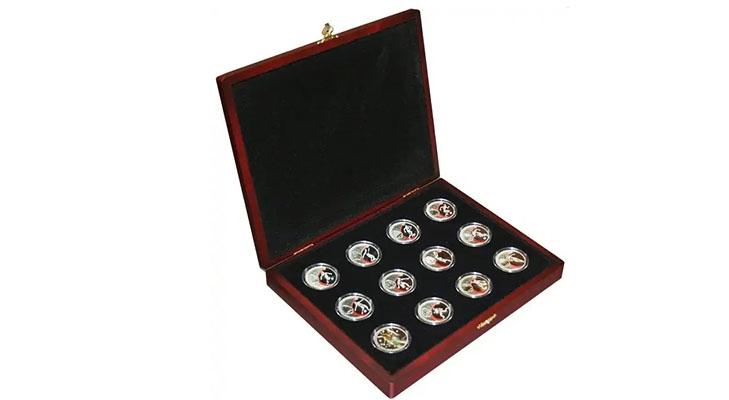 Набор монет в футляре