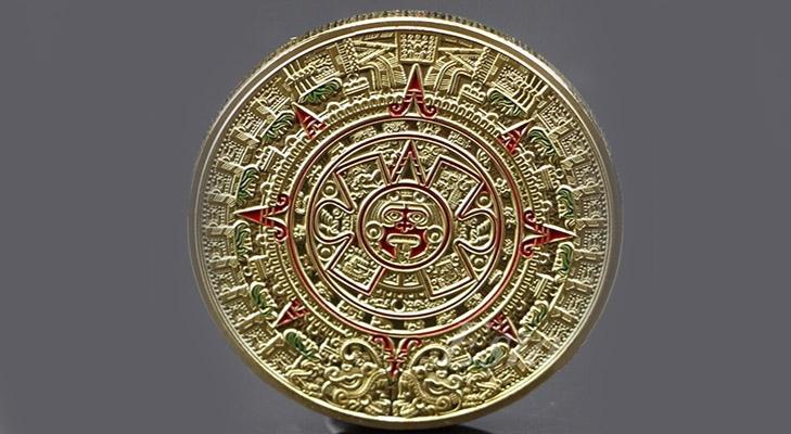 Монета в виде календаря ацтеков